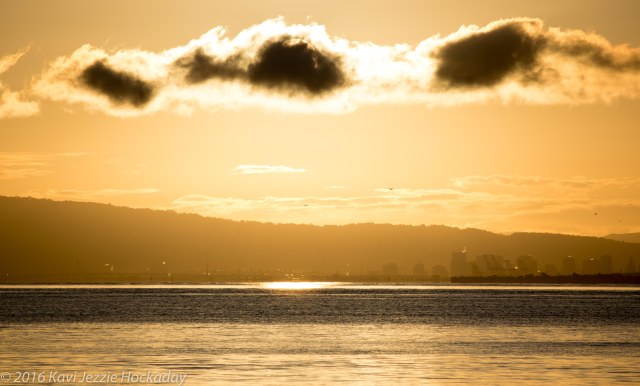 incredible-light-over-the-bay